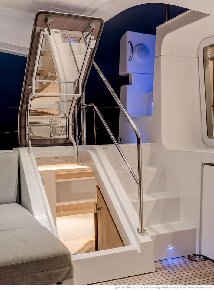 Entrance of the guest cabin from the cockpit