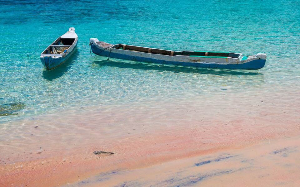 Canoe boat on Pink Beach in the komodo national park